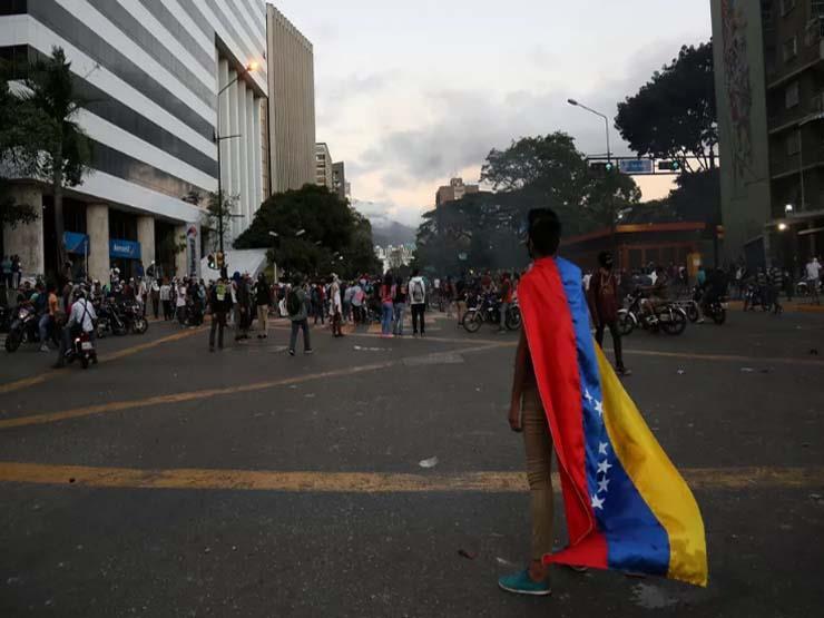 5 سيناريوهات تحدد الخطوة التالية في أزمة فنزويلا