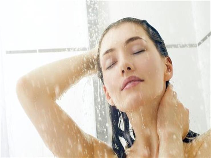 الماء البارد أم الساخن.. أيهما أفضل عند الاستحمام؟