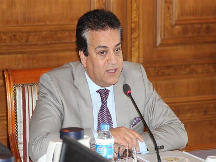 وزير التعليم العالي يوجه بتوفير الاحتياجات اللازمة للأطقم الطبية بالمستشفيات الجامعية