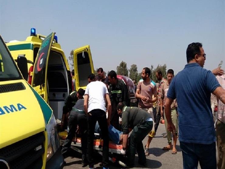 15 مصابا في حادث تصادم سيارتين بأطفيح