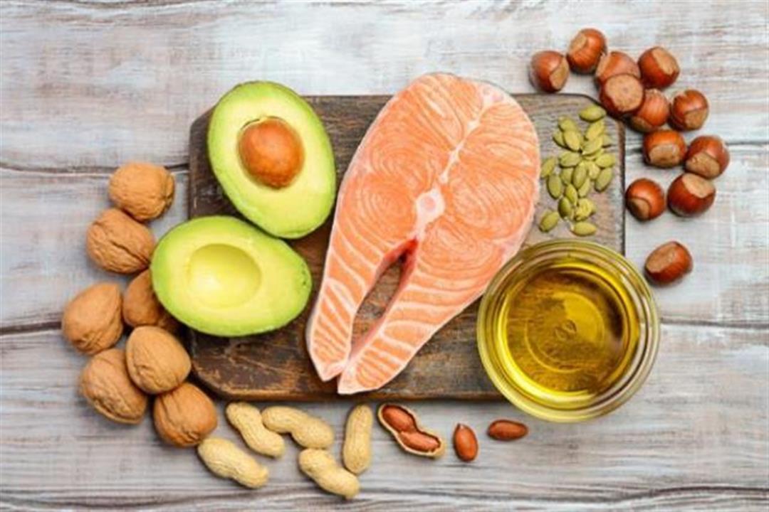 علماء يزعمون: الأطعمة الغنية بالدهون مفيدة للوقاية من بعض الأمراض