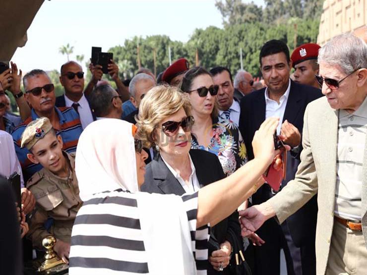 """مصدر: دفن جثمان """"جيهان السادات"""" بمقابر الأسرة بمنطقة كلية البنات بمصر الجديدة"""