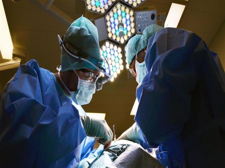 جراحة استغرقت 7 ساعات.. استخراج ساطور  من جبهة سيدة في سوهاج