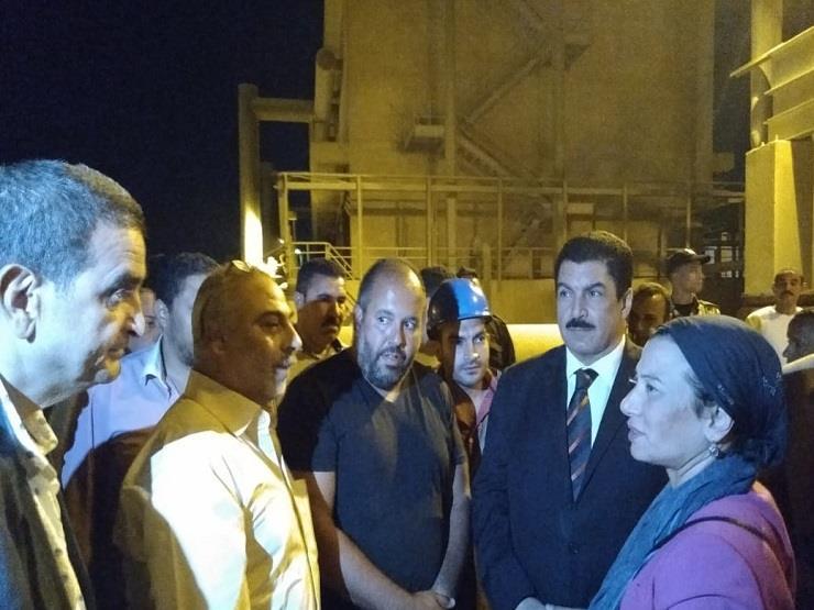 بعد إصابة مواطنين بضيق تنفس.. وزيرة البيئة تتفقد مصنع أبوزعبل للأسمدة