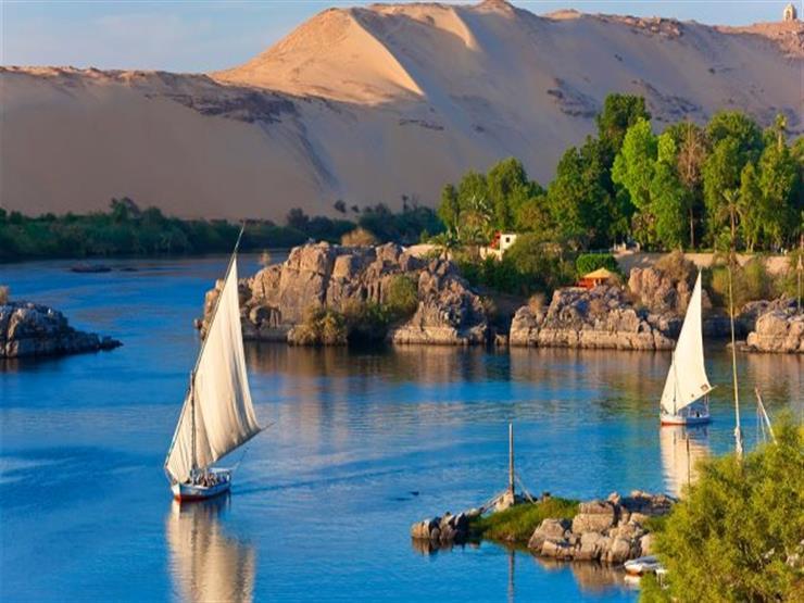 الحكومة: لا صحة لتسرب بقعة زيتية بمياه النيل في أسوان