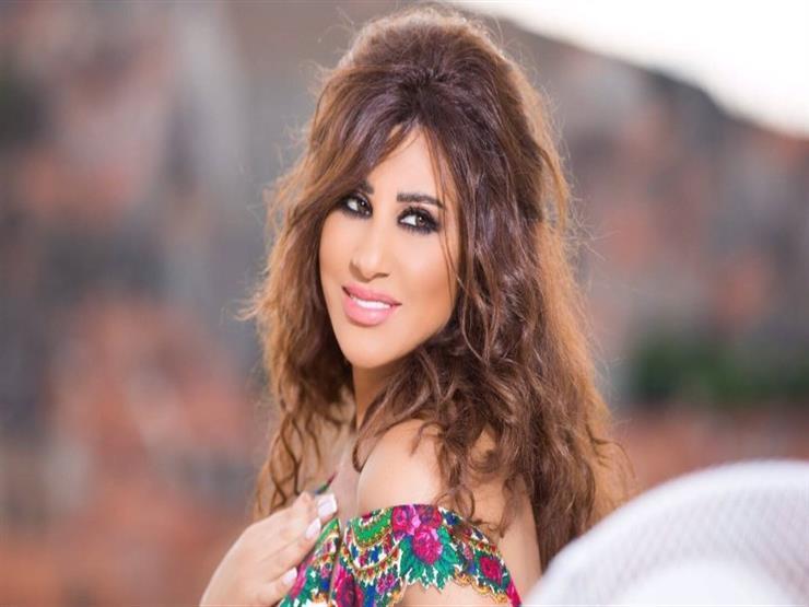 """نجوى كرم لنادين نجيم بعد خضوعها لعملية جراحية: """"رح تبقي جميلة الجميلات"""""""