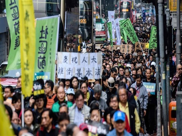 خروج الآلاف في مسيرة بهونج كونج مع مرور أشهر على الاحتجاجات