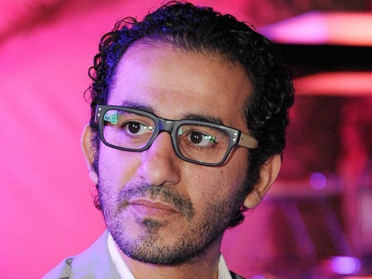 """أحمد حلمي ينشر قصة معجب فقد وزنه بسبب """"إكس لارج"""": """"الله يرحمك يا أشرف"""""""