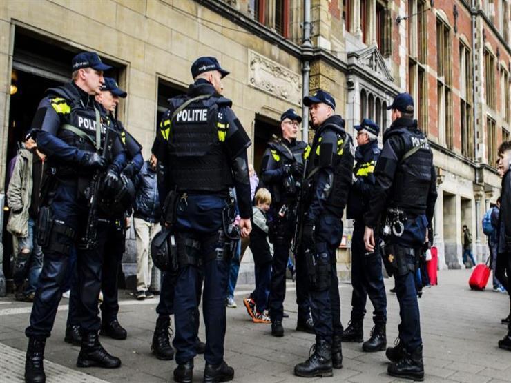 هولندا تشهد ليلة جديدة من الاحتجاجات العنيفة ضد حظر التجول
