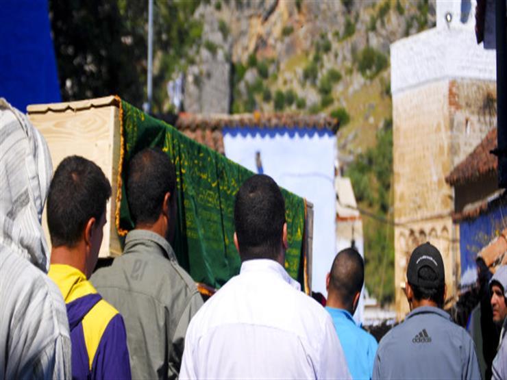 تعرف على حكم الوقوف على القبر والدعاء جهرًا بعد الدفن.. الإفتاء توضح