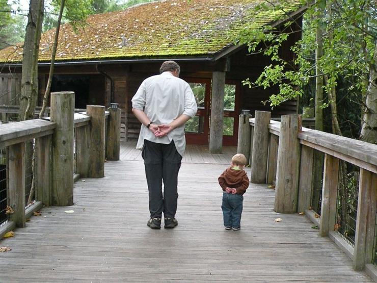 """بينها """"العصيان"""".. 5 آثار سلبية لجلوس الطفل مع أجداده"""