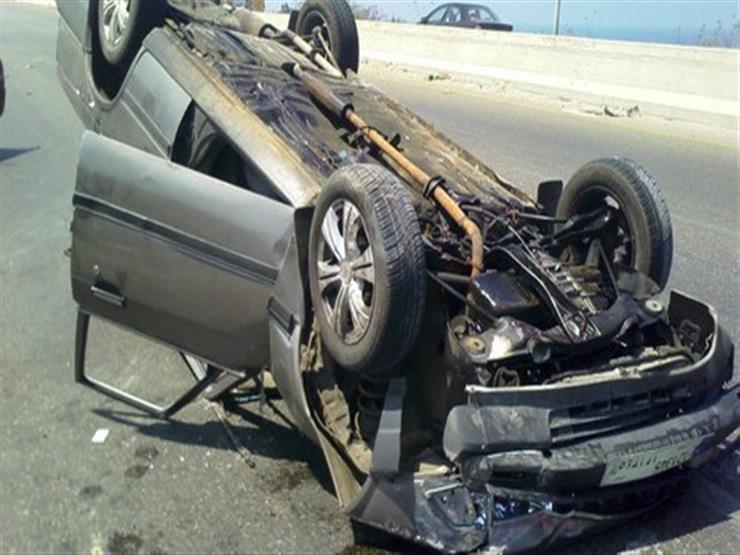 إصابة 5 أشخاص في انقلاب سيارة بالطريق الصحراوي في أسيوط