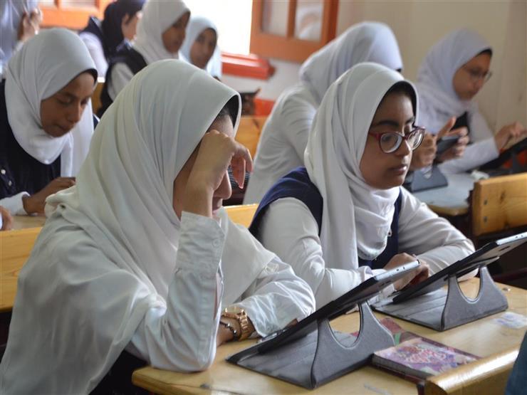 """أزمة بسبب رياضيات أولى وثانية ثانوي.. و""""التعليم"""": لا داعي للقلق"""