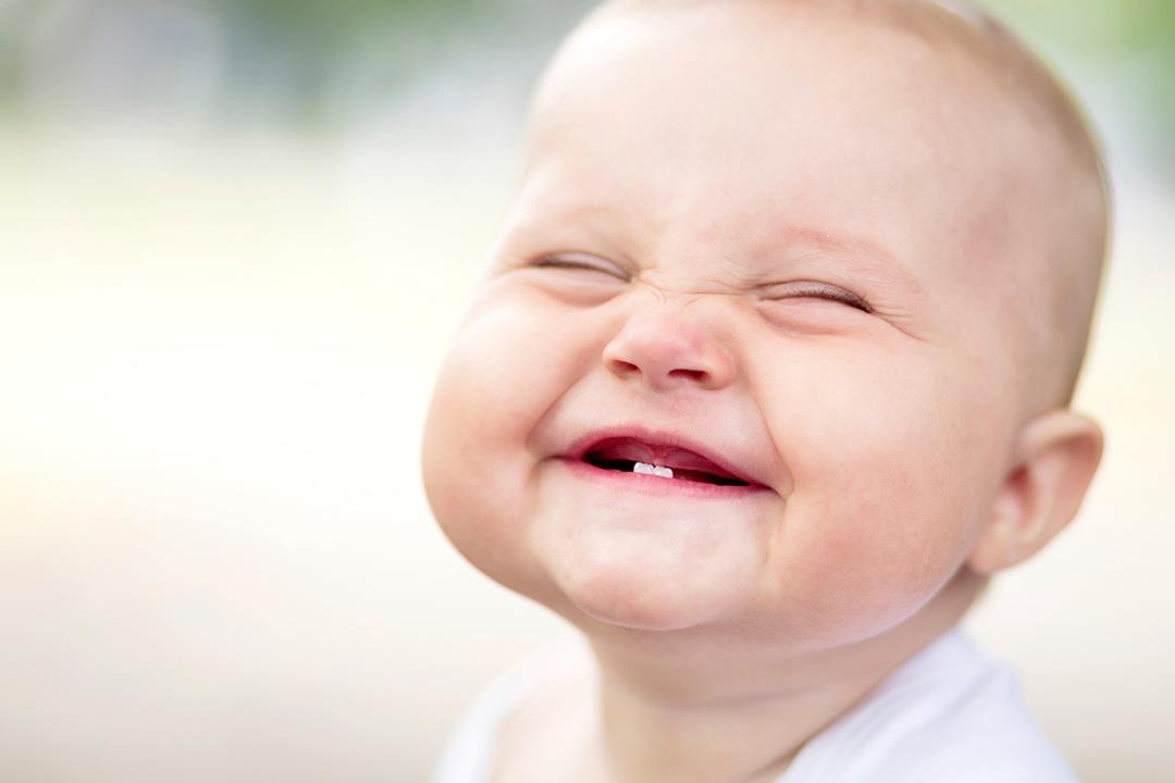 4 أعراض تصاحب تسنين طفلك هكذا تخففين آلامه الكونسلتو