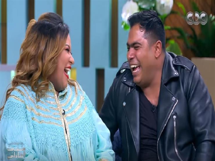 """على طريقة """"سارة وكايا"""".. ويزو لزوجها :""""قلبي ياربي"""" - فيديو"""