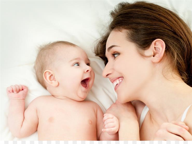 للأمهات: توصية بفحص حاسة السمع لدى الرضع