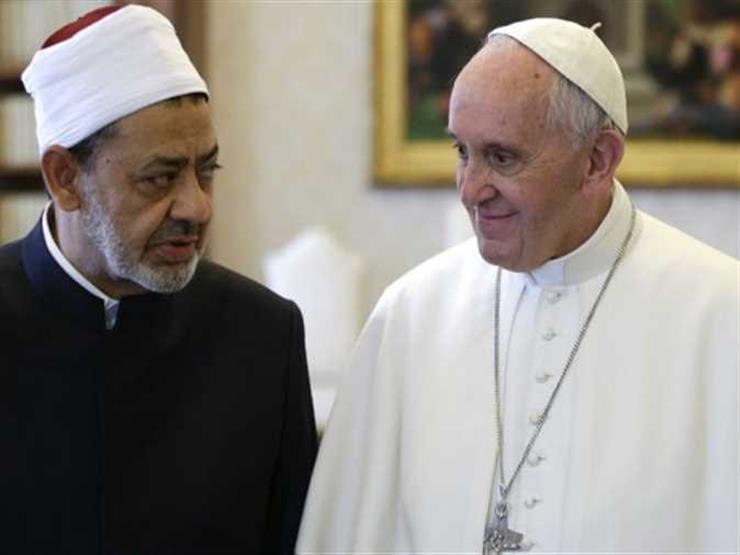 """البابا فرنسيس وشيخ الأزهر يوقعان """"وثيقة الأخوة الإنسانية"""" بأبو ظبي"""