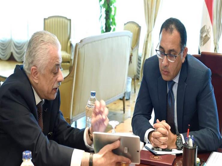 رئيس الوزراء يستعرض تقريرا من وزير التعليم عن المشروعات المُنفذة في سيناء