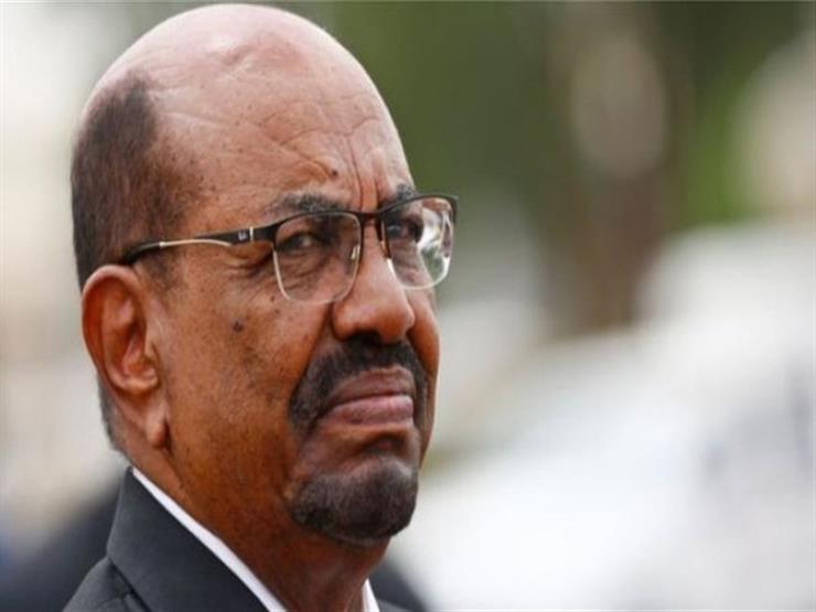 رقاهم البشير قبل عزله بأشهر.. من هم قادة المجلس العسكري الذي يدير السودان؟