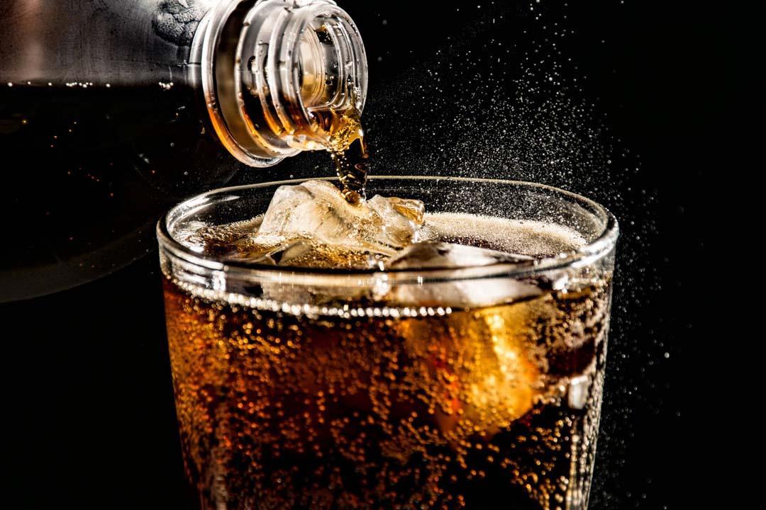 تزيد الوزن وقد تسبب الوفاة.. أضرار لا تتوقعها للمشروبات الغازية الدايت