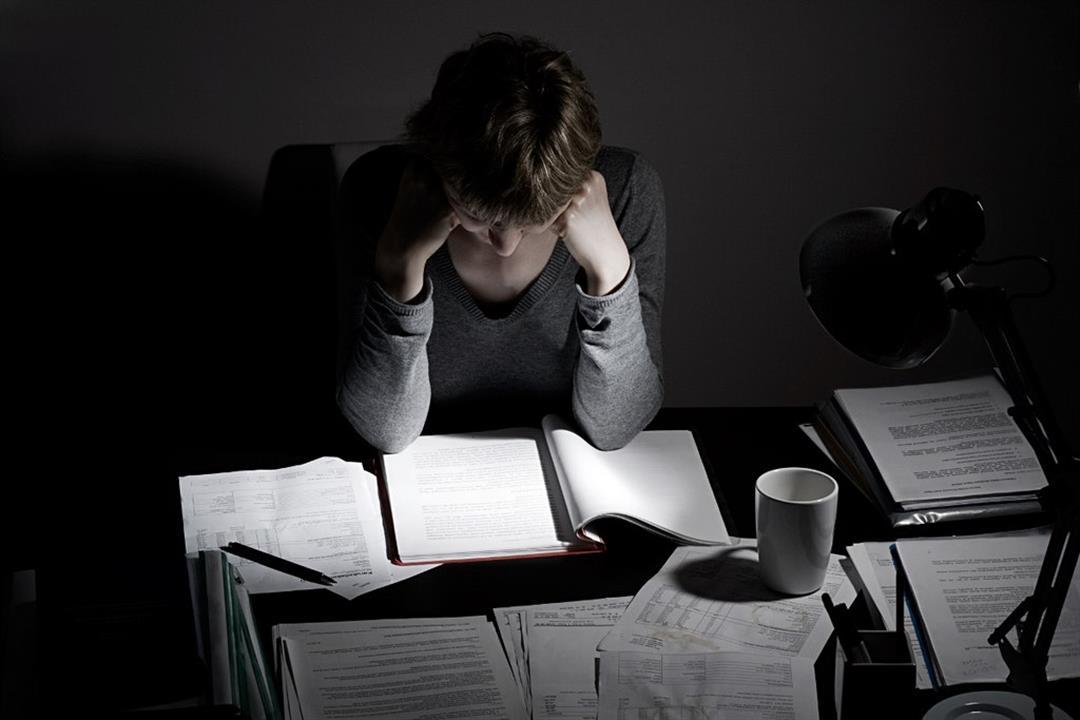 لماذا يُصاب الطلاب بالقلق عند سؤالهم عن الامتحانات؟.. نصائح ضرورية