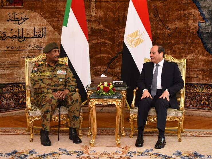 ما دلالات زيارة رئيس المجلس العسكري السوداني إلى القاهرة؟