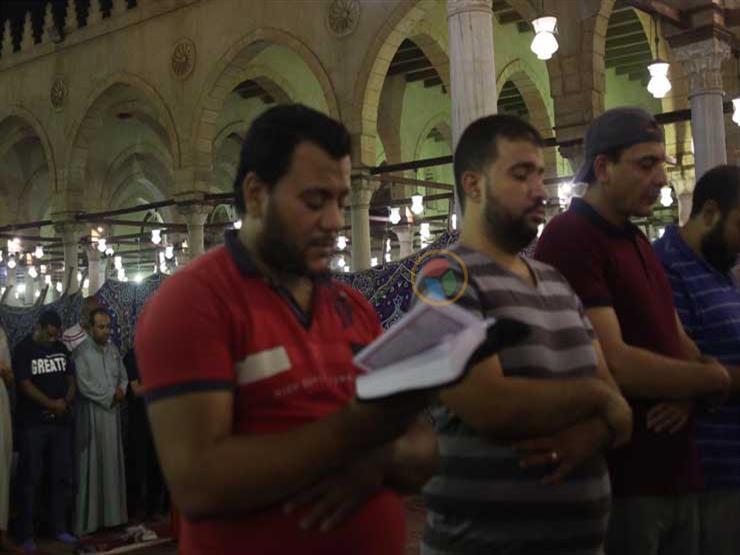 حجز 10 أشخاص أقاموا صلاة التراويح في زاوية شرق الإسكندرية