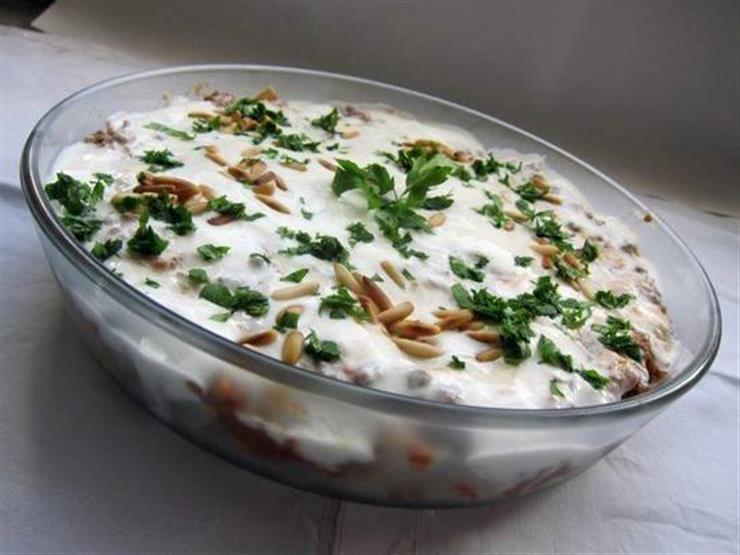 إفطارك اليوم| فتة لبناني.. تعرف على طريقة التحضير والمقادير