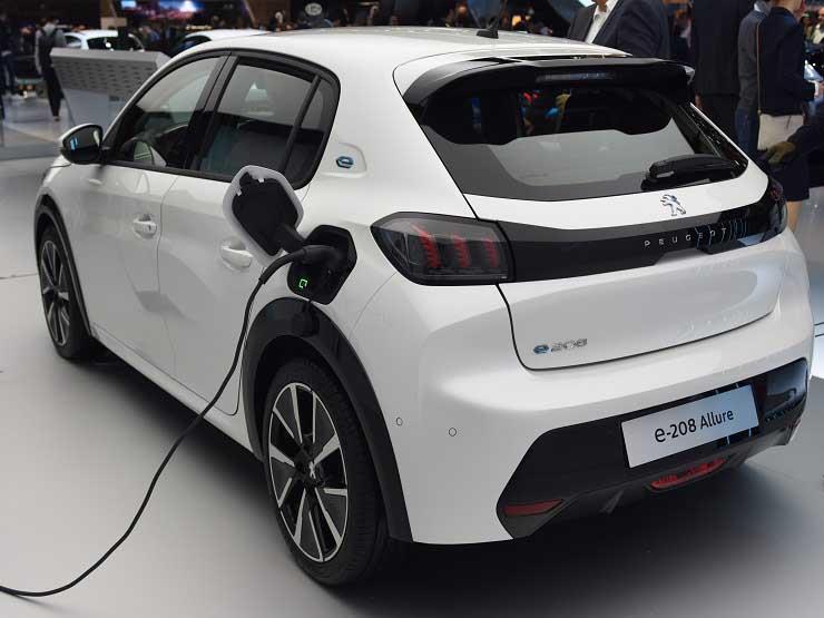 قطاع السيارات الألماني يستثمر 40 مليار يورو في السيارات الكهربائية خلال 3 سنوات قادمة