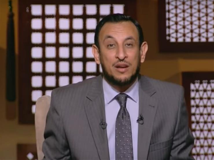 بالفيديو| بكاء رمضان عبد المعز أثناء دعائه لرفع الوباء والبلاء