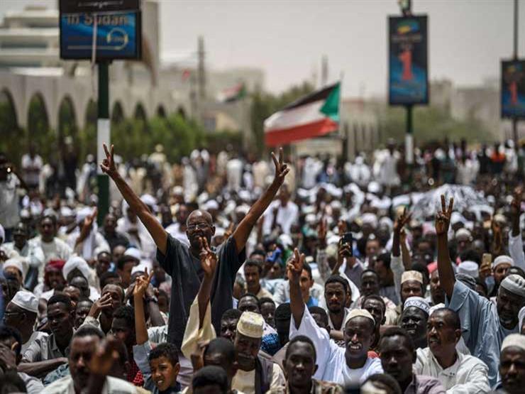 """احتجاجات السودان: مئات الآلاف يتظاهرون من أجل """"تصحيح مسار الثورة"""""""