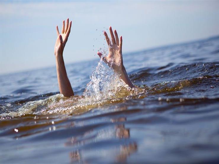"""""""الضفادع البشرية"""" تنتشل جثة شاب بعد غرقه بـ3 أيام"""