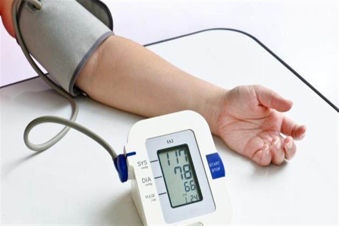 منها مضغ أوراق الريحان.. 6 طرق طبيعية لعلاج ضغط الدم المنخفض (صور)
