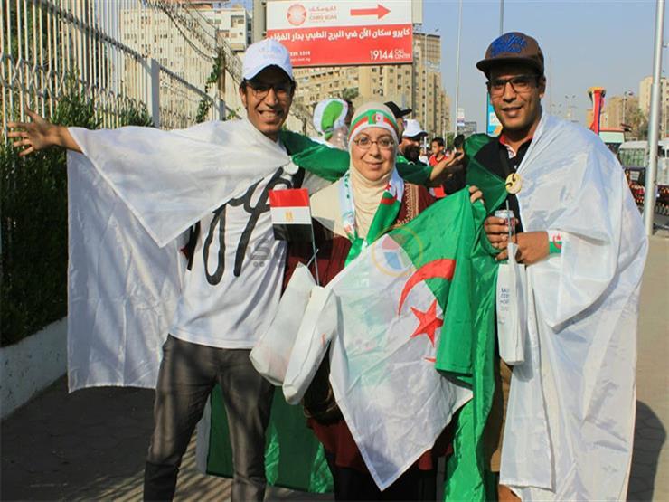 أحمد كان في ثانوي وخيرة اتجوزت.. جزائريون شهدوا كأس ٩٠ ويحلمون بالبطولة بالثانية