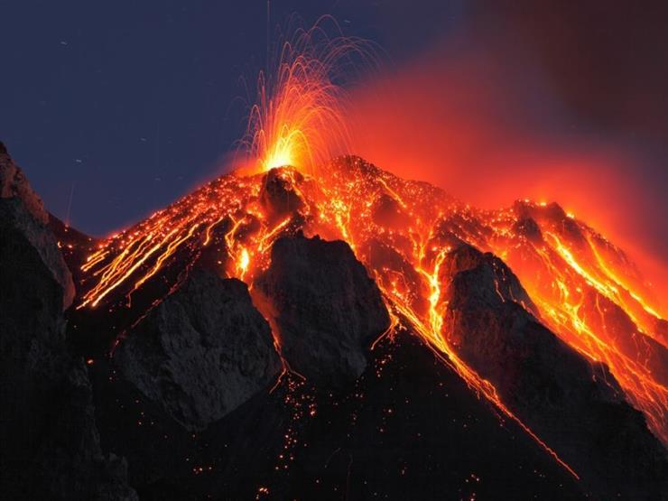بدء ثوران بركان في جزيرة لا بالما الإسبانية