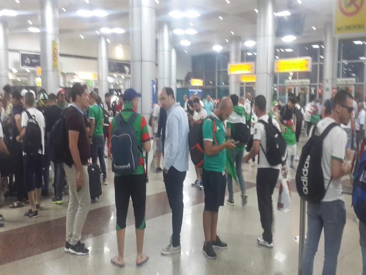 """""""الطيران المدني"""" تكشف عن سبب أزمة جماهير الجزائر بمطار القاهرة"""