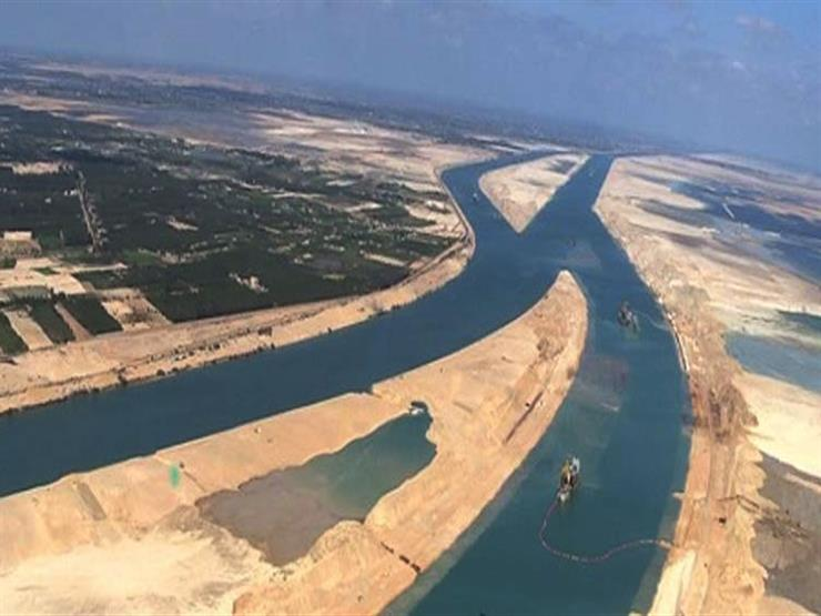 الحكومة تنفي تعثر مرور السفن العملاقة بقناة السويس