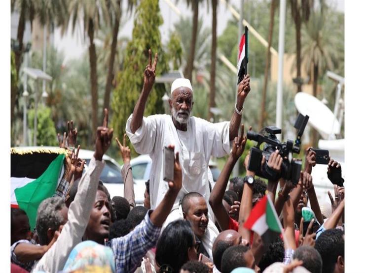 حميدتي: المجلس العسكري الانتقالي فى السودان سيلتزم بكل حرف باتفاق تقاسم السلطة