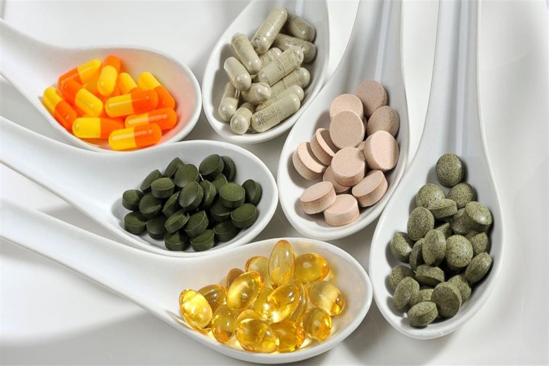 الصحة تحذر من الإسراف في تناول المكملات الغذائية