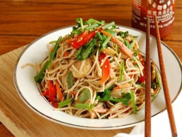 يأكلون الكلاب ويعشقون الحشرات.. 5 خرافات عن الأكل الصيني