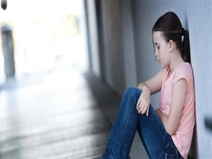 كيف ينشأ القلق لدى الأطفال وكيف نعالجه؟