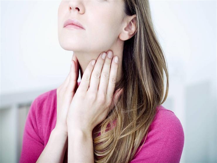 باحثون: فيروس كورونا يسبب تورم الغدة اللعابية في الفم
