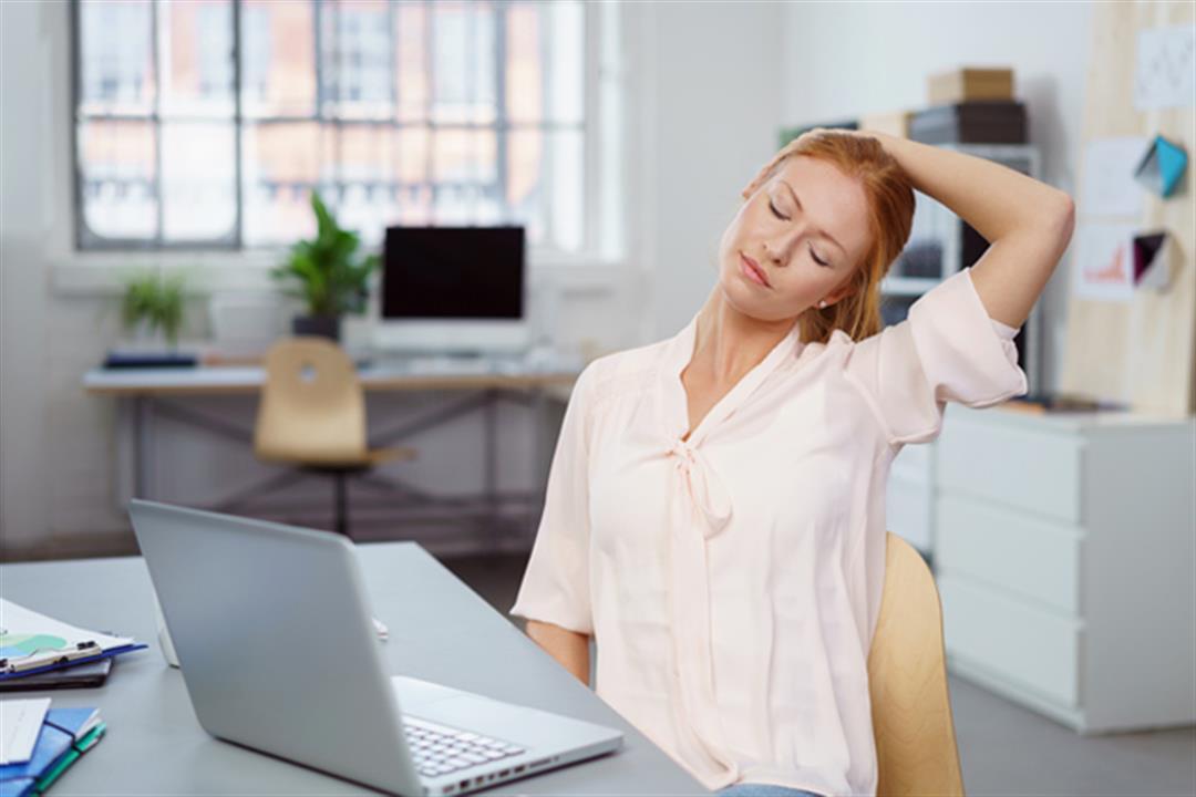 بخلاف آلام الظهر.. ماذا يحدث لجسدك عند الجلوس لفترات طويلة؟