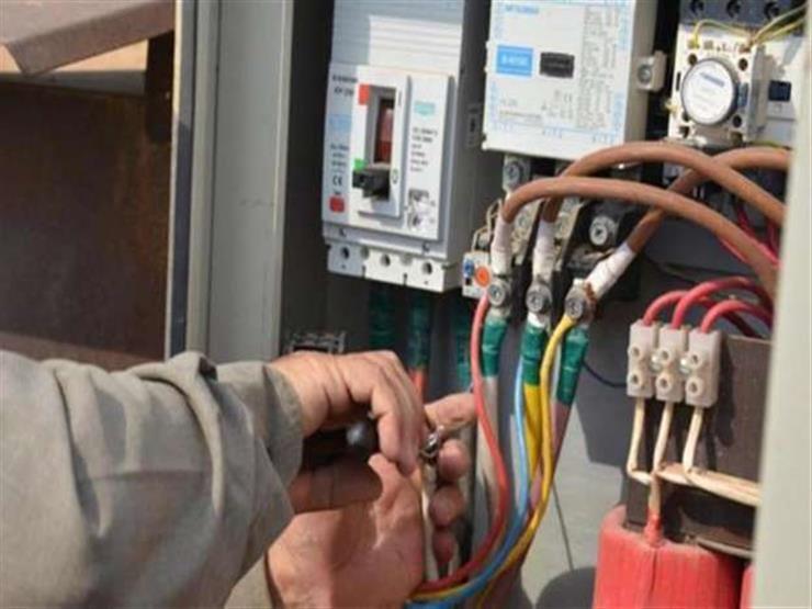 ضبط 3938 قضية سرقة تيار كهربائي و1158 قضية تموينية في يوم واحد