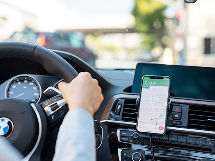 """تقنية جديدة لشحن الهواتف لاسلكيًا بأي مكان بالسيارة.. كيف تعمل؟ """"فيديو"""""""