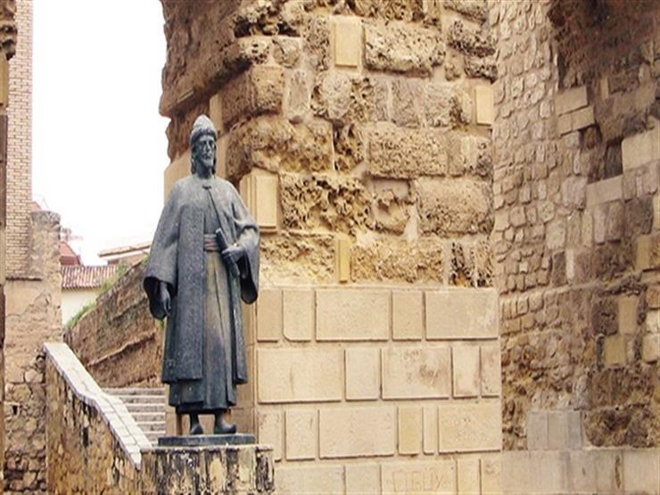 مجدد القرن الخامس الهجري.. ابن حزم الأندلسي يجيز تولي المرأة المناصب العامة منذ 900 عام