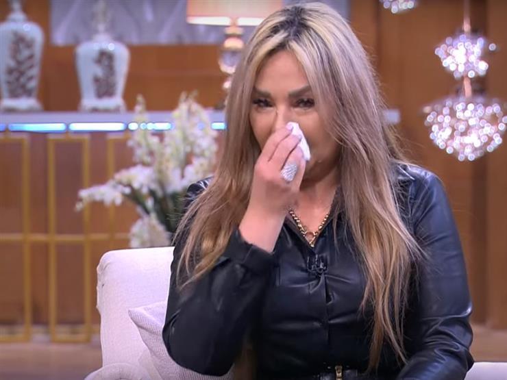 """""""هلطش في الكل"""".. ابنة ماجدة تبكي وتعاتب إسعاد يونس وصفاء أبو السعود بسبب والدتها"""
