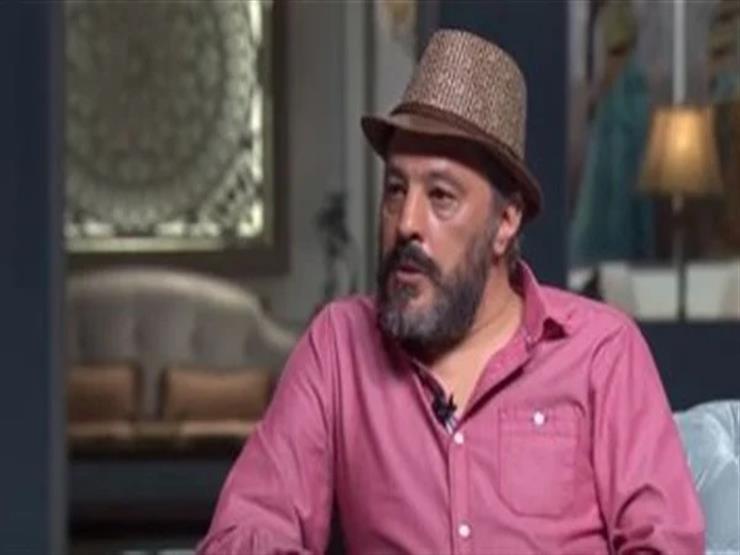 بعد عملية جراحية دقيقة.. عمرو عبدالجليل يكشف تطورات الحالة الصحية لنجله