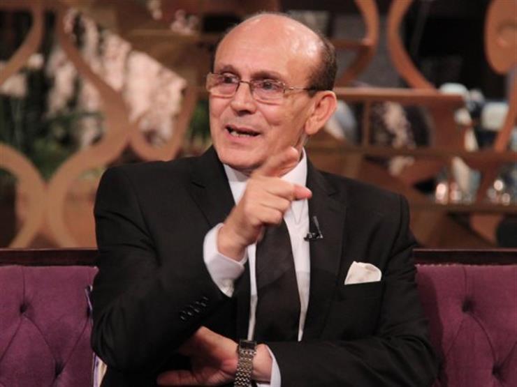 """محمد صبحي يتحدى ماكرون بإذاعة مسلسل """"فارس بلا جواد"""" على قناة فرنسية"""