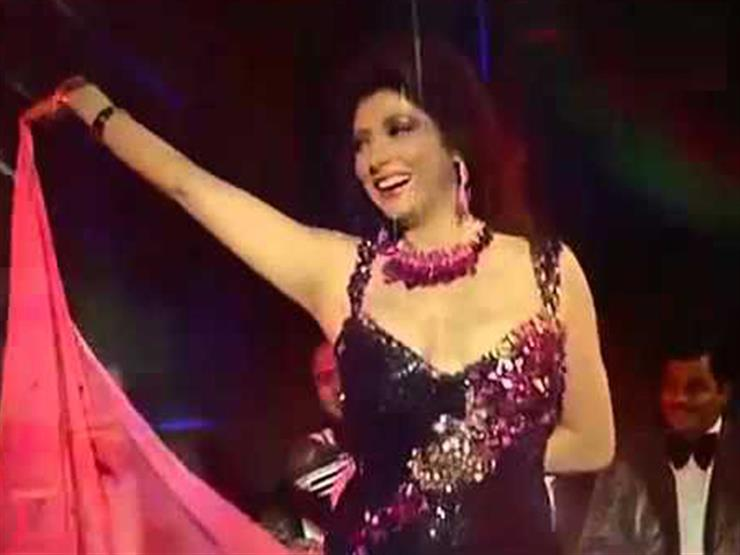 فيديو  نبيلة عبيد لجمهورها: مين أهم الراقصة ولا الطبال؟